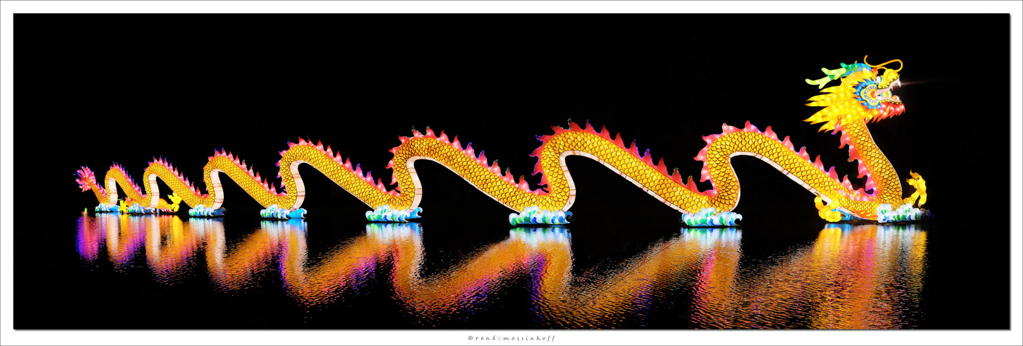 A 192-foot dragon is part of the amazing China Lights exhibit in New Orleans. (Photo via remossi.nl)