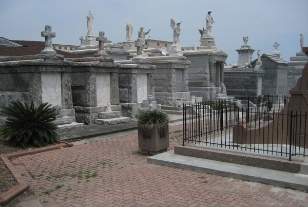 The Best New Orleans Cemeteries to Visit - Bienville House Hotel Blog